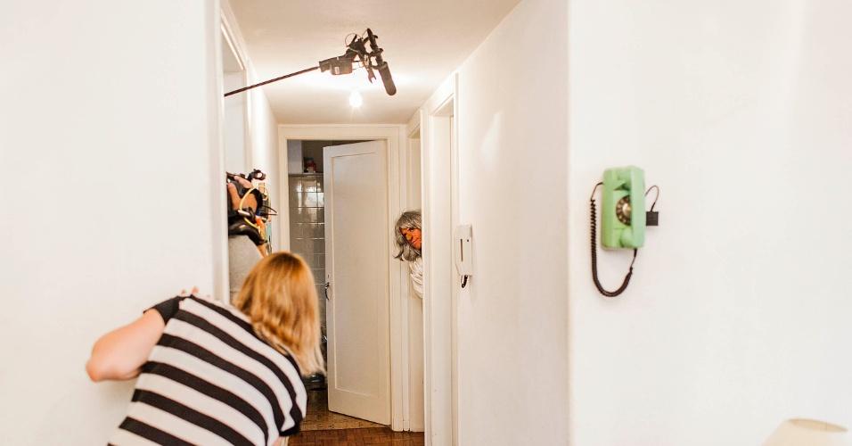 """12.abr.2013 - Dani Cataldi, diretora do humorístico""""Hermes e Renato"""", que reestreia na MTV, que dirige cena da nova temporada do programa"""
