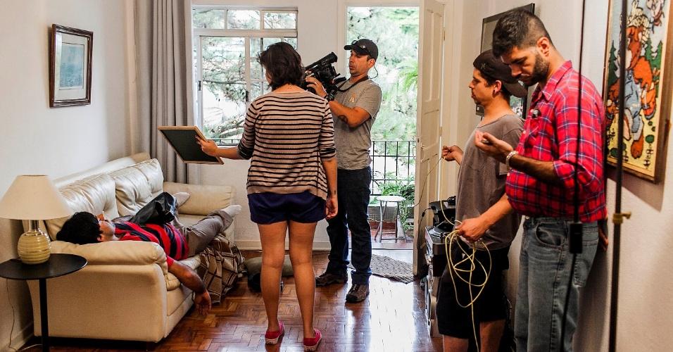 """12.abr.2013 - Felipe Torres, o Boça, grava sequência de quadro para o novo """"Hermes e Renato"""", que reestreia na MTV"""