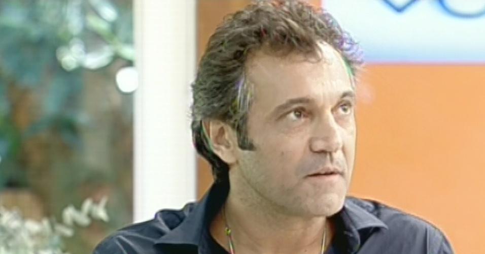 """18.abr.2013 - Domingos Montagner fala sobre Zyah, seu personagem em """"Salve Jorge"""", no """"Mais Você"""""""