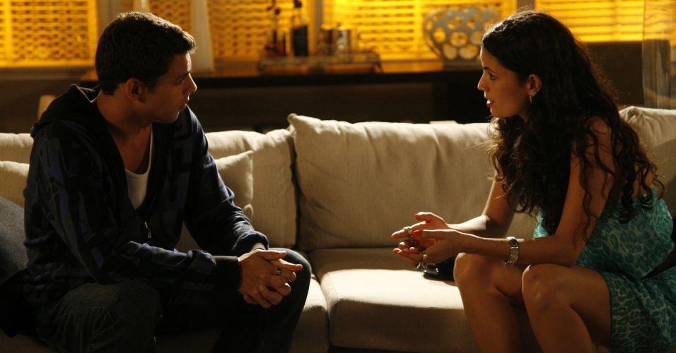 Halley descobre que é filho de Donatela