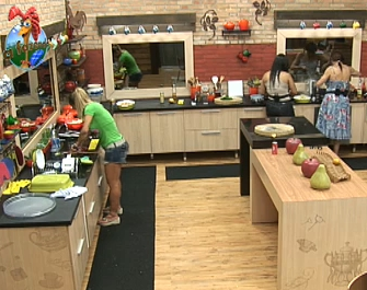 Nany, Melancia e Janaina preparam o almoço desta quarta-feira (29/09/10)