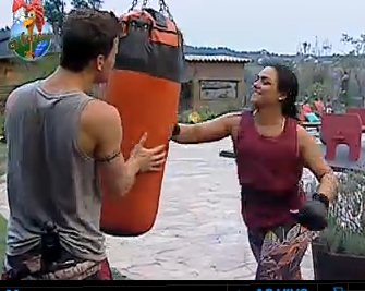 Dudu Pelizzari e Mulher Melancia treinam boxe (29/9/2010)