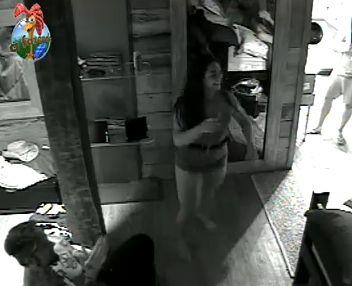 Mulher Melancia dança para Tico no quarto (29/9/2010)