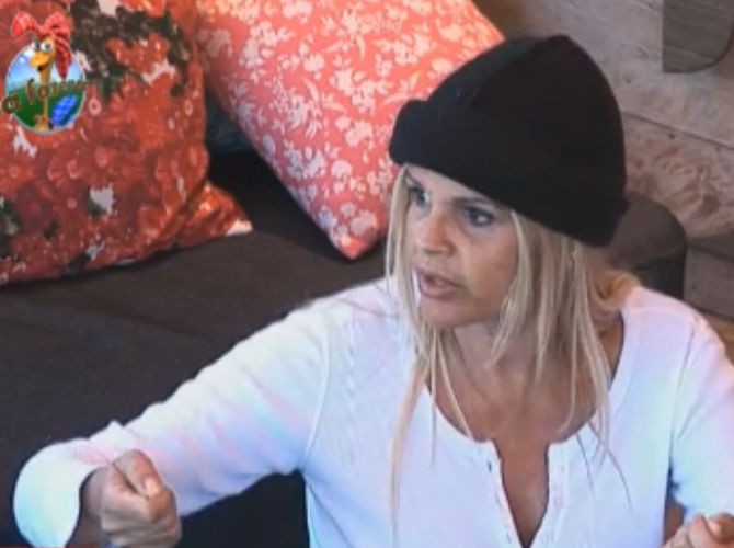 Monique Evans fala sobre como cuidar das éguas (01/9/11)