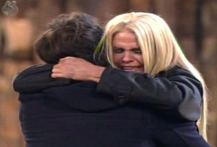 Monique se emociona com resultado da Roça (04/10/11)