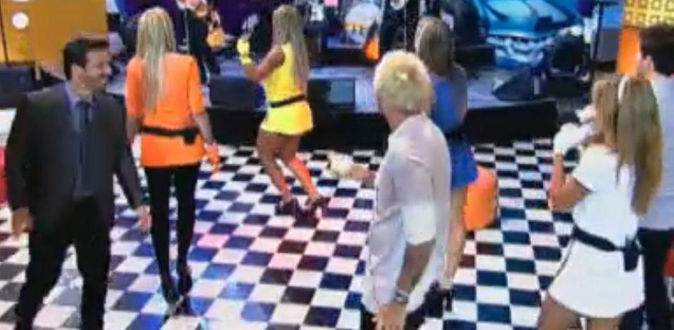 Peões se divertem na festa desta sexta-feira (09/9/11)