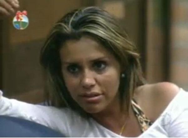 Renata Banhara conversa com peões antes do programa desta quinta-feira (21/07/2011)