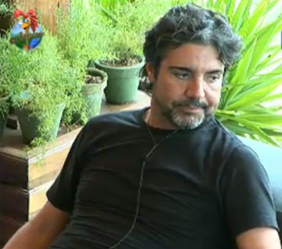 João Kléber aconselha Thiago Gagliasso a prestar mais atenção no cuidado com as cabras (31/7/11)