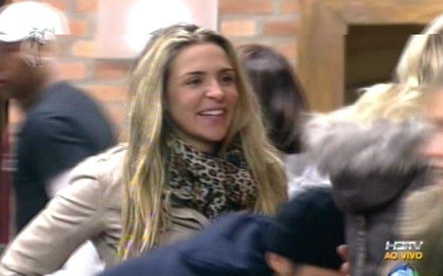 Joana Machado não conseguiu expressar muita felicidade com a eliminação de François (04/8/2011)