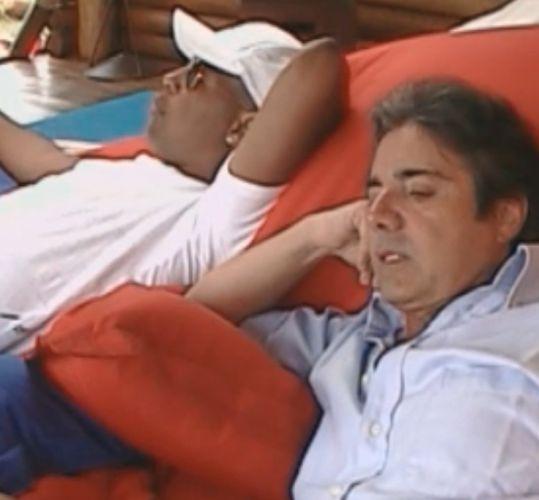Dinei e João Kléber falam mal das participantes do reality (09/8/11)