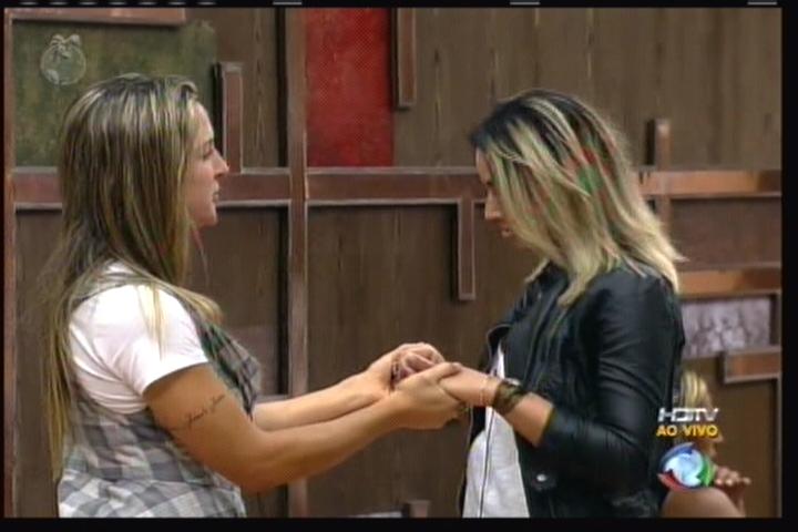 Joana Machado fala com Dani Bolina(11/08/11)