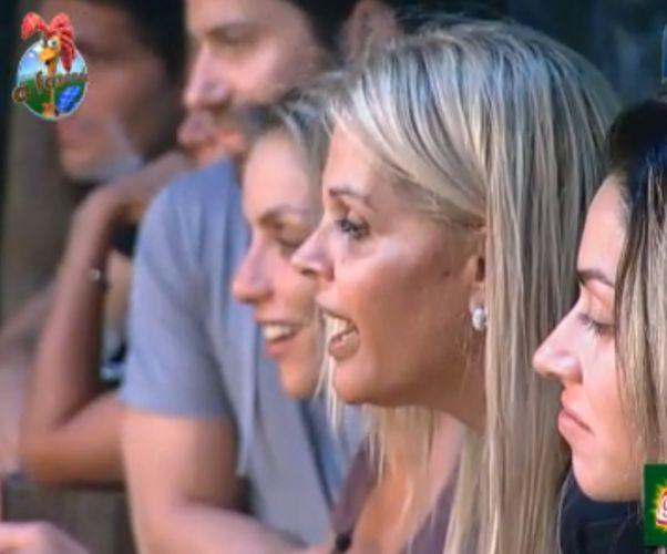 Peões acompanham os primeiros passos do cabritinho recém nascido (12/8/11)