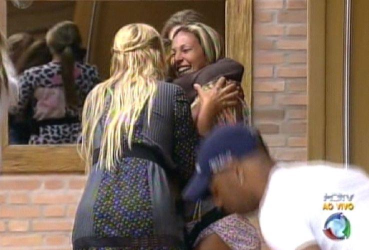 Peoas comemoram o retorno de Raquel (18/8/2011)