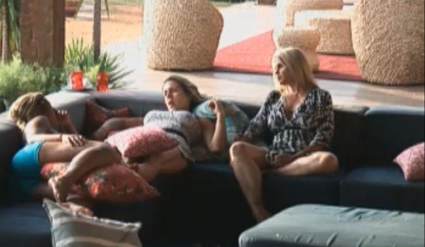 Valesca, Joana e Monique falam sobre estratégia de jogo (18/9/11)