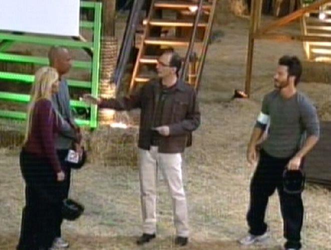 Britto Jr. avisa que Dinei e Monique estão na Roça (20/9/11)
