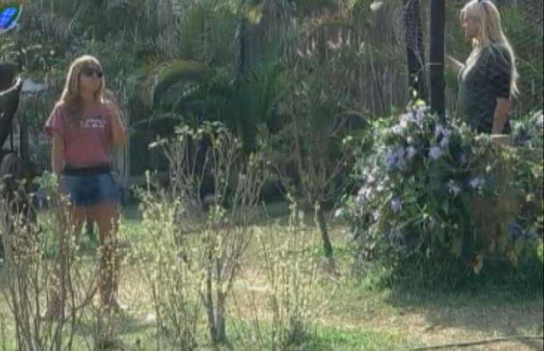 Monique pede para Raquel cuidar das aves caso ela seja eliminada (21/9/11)
