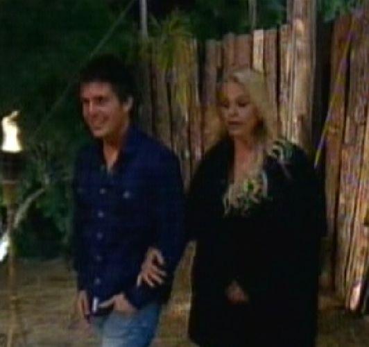 Thiago e Monique entram na área de eliminação (25/8/2011)