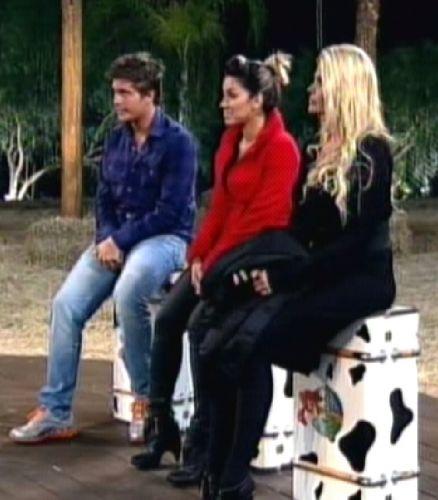 Os três mostraram nervosismo antes da decisão (25/8/2011)
