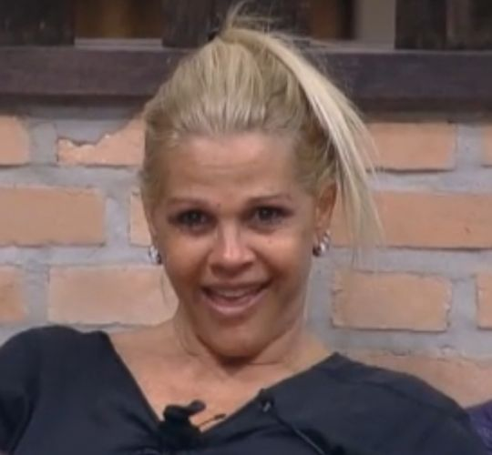 Peoa só abriu um sorriso quando disse que viu Marlon pelado (28/09/2011)