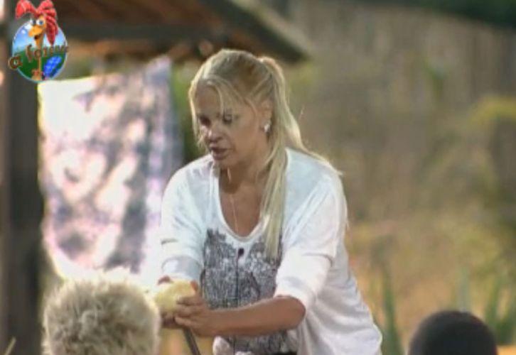 Monique disse que Gui precisa tomar cuidado para não machucar as pessoas com seus discursos (29/8/11)