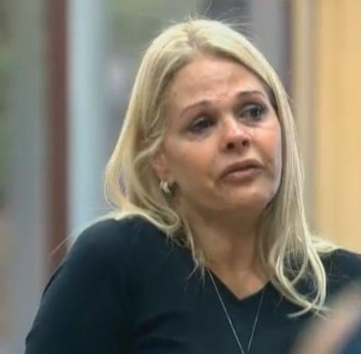 Monique chora por Thiago Gagliasso não ter retribuído