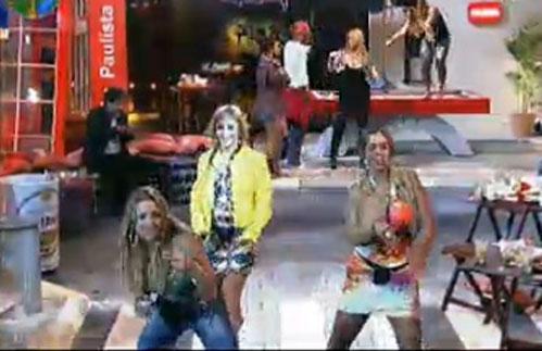 Peoas dançam para a câmera (22/07/11)