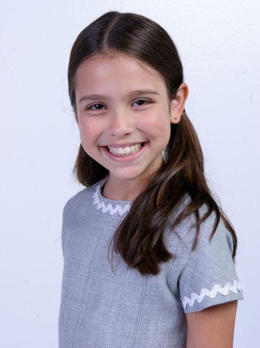 Lara Fiel (Bruna Carvalho)