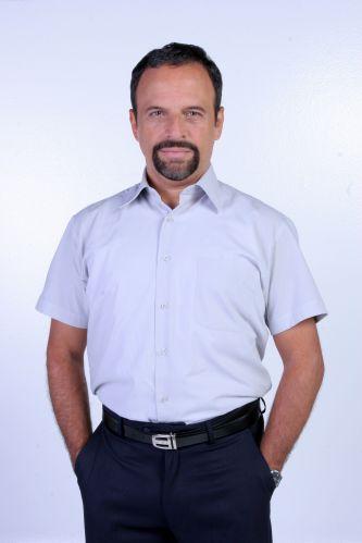 Carlo Fiel (Marcos Breda)