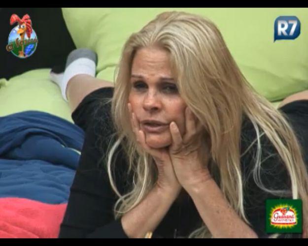 Monique reclama de João Kléber(10/10/11)