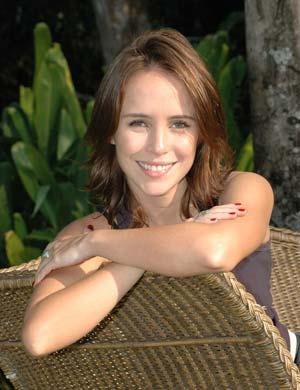 LÚCIA (Fernanda Nobre)