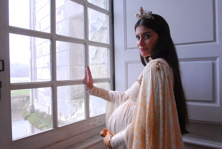 Rainha Cristina (Alinne Moraes)