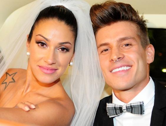 A Panicat Dani Bolina se casa com o modelo mateus Verdelho em São Paulo (18/12/2010)