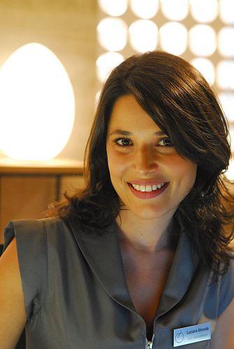 Luciana (Manuela do Monte)