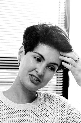 A apresentadora de televisão Fátima Bernardes em 1995, três anos antes de estrear na bancada do