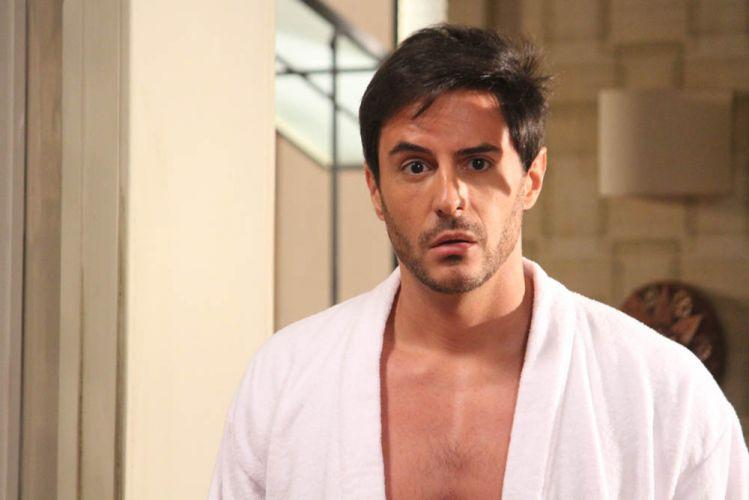 Douglas Batista (Ricardo Tozzi)