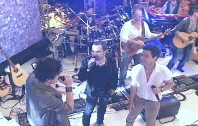 Luan Santana canta