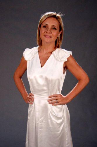 Júlia (Adriana Esteves)