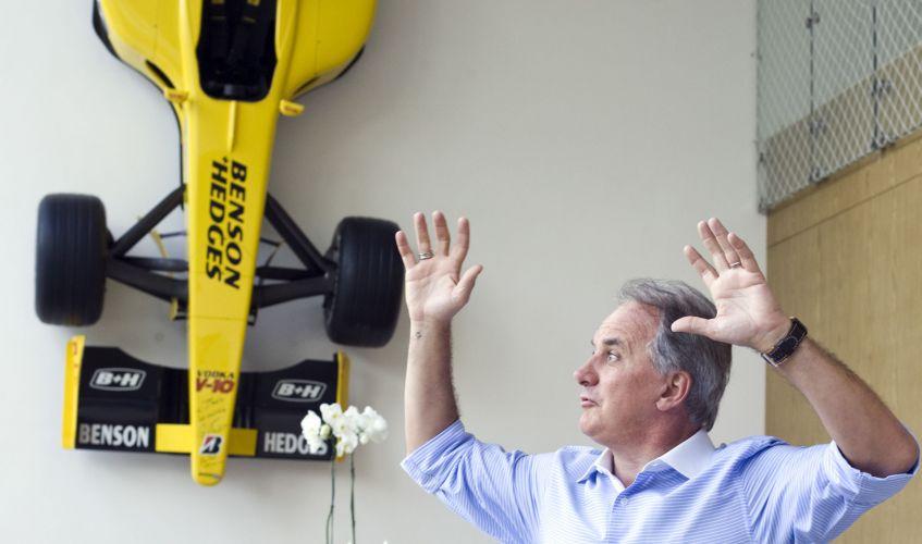 Apaixonado por Fórmula 1, Otávio Mesquita comprou um carro original da equipe Jordan, que foi pilotado pelo Giancarlo Fisichella. Em 2007, o piloto italiano esteve no Brasil para tentar comprar o carro de Mesquita, mas conseguiu apenas autografar o