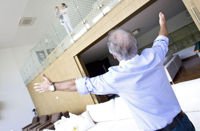 Otávio Mesquita faz festa para o filho Pietro, 2, fruto de seu casamento com a publicitária Melissa Wilmann (12/5/2011)