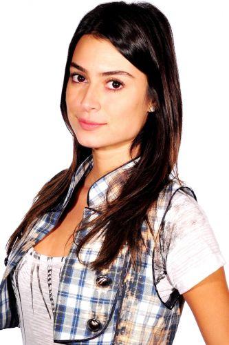 Amanda (Thaila Ayala)