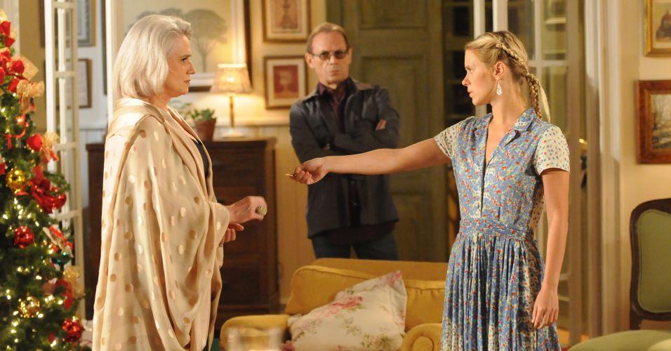 Violeta visita Suzana na noite de Natal