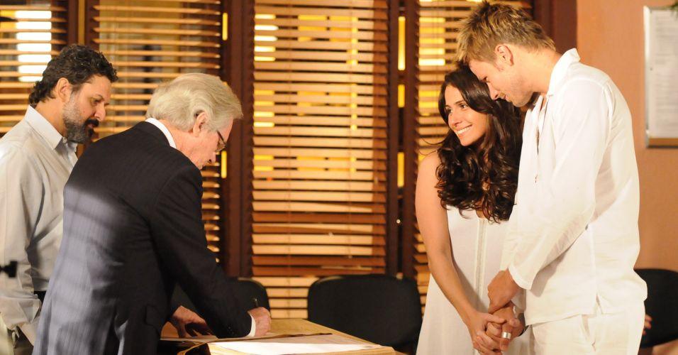 Alma e Gregg finalmente se casam