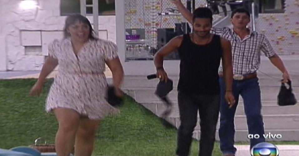 Analice, Daniel e Rafael entram na casa ao vivo (10/1/2012)