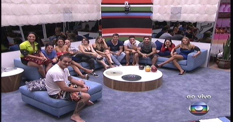 """Participantes conversam com Bial da sala do """"BBB12"""" (10/1/2012)"""