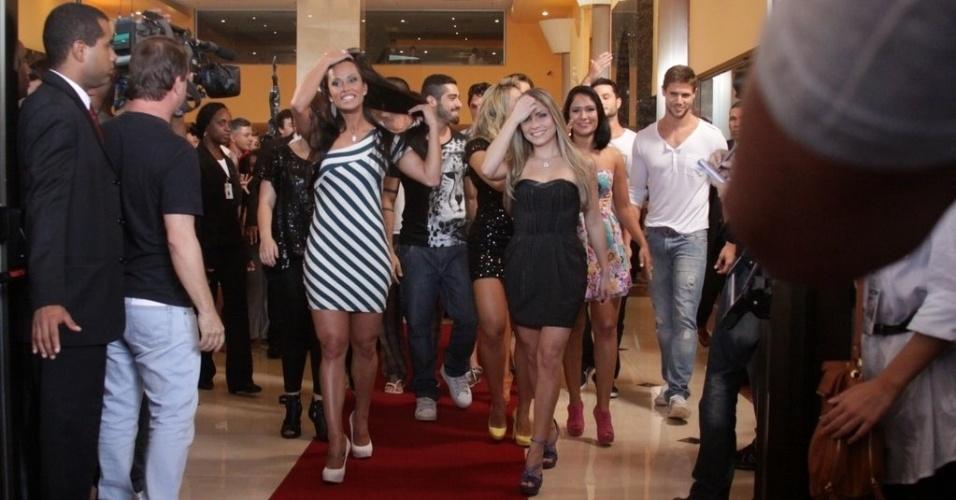 """Participantes do """"BBB12"""" deixam hotel em direção ao Projac para serem confinados (10/01/2012)"""
