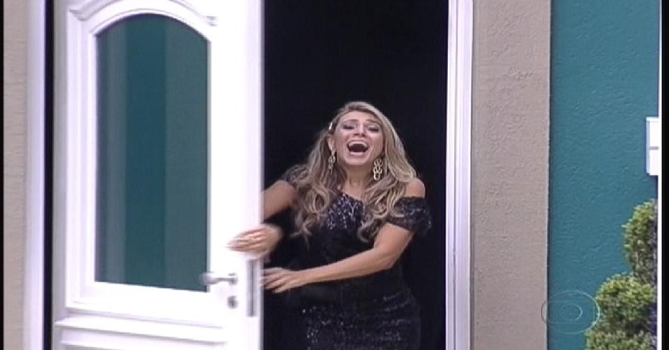 Fabiana grita ao entrar  na casa  (10/1/2012)
