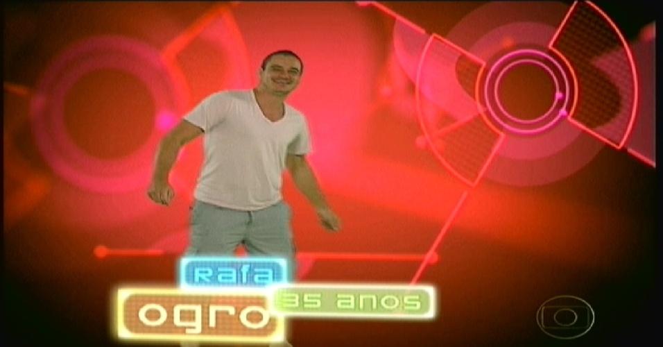"""Rafa ganhou o apelido de """"Ogro"""" na animação do programa (10/1/2012)"""