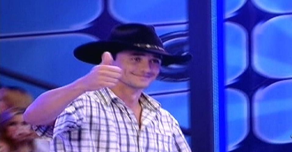 """Rafael é um dos quatro participantes que entraram ao vivo no """"BBB12"""" (10/1/2012)"""