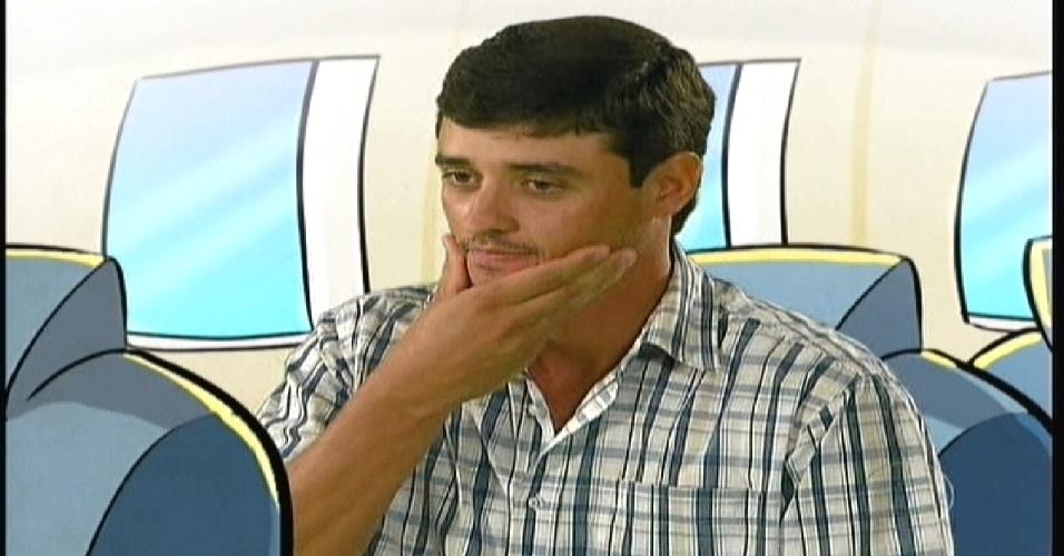 """Rafael foi chamado de """"bicho do mato"""" na estreia do programa (10/1/2012)"""