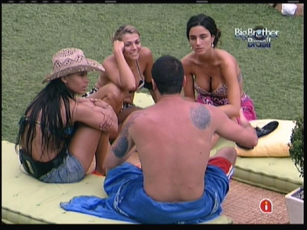 Fabiana, Laisa, Rafa e Kelly contam histórias sobre suas vidas (12/1/12)